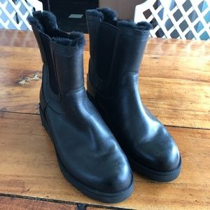 Uggs Chelsea Boots